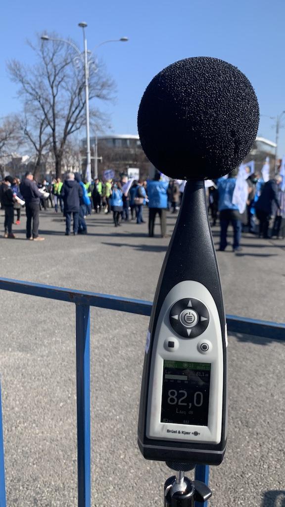 Protecția la zgomot. Adunări publice